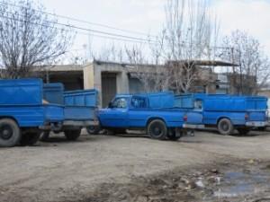 Regroupement de camionnettes bleues