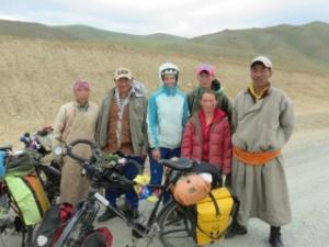 A droite, le costume mongole